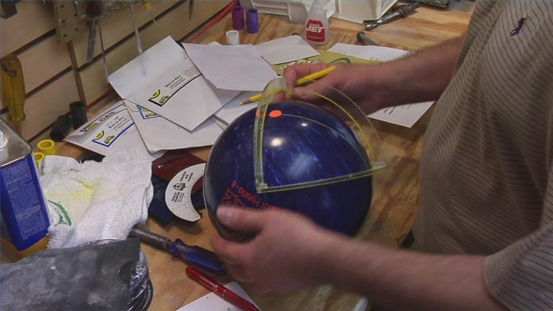 The Ways Bowling Balls Can Be Customized