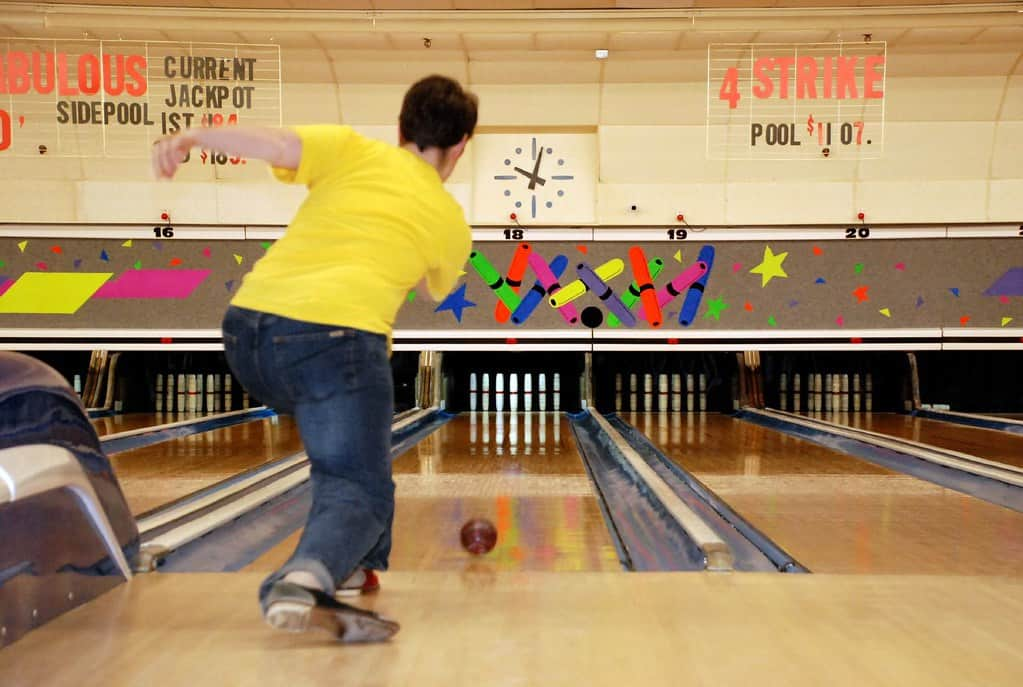 What is Candlepin Bowling and scoring system? - Custom